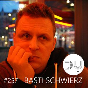 Something between house, techno & fine electronic dance music: du+musik podcast #257