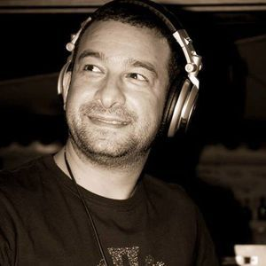 Dj Constadino presents ''House Deep-Ends'' Show-The Ground radio 010