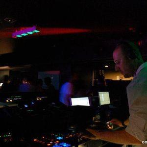DjVelhinho-Omega_3_RUM_Spotlight_Party-Theatro_Circo_Café