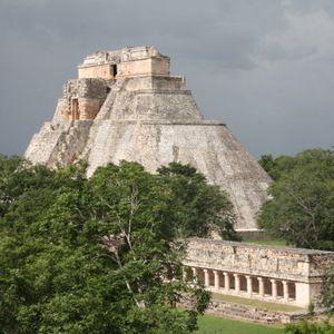 Uxmal. Muros que cuentan historias_promocional