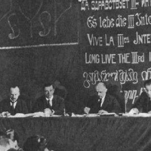Hoy en la Historia 04 de Marzo de 2015: El fracaso de la tercera internacional comunista