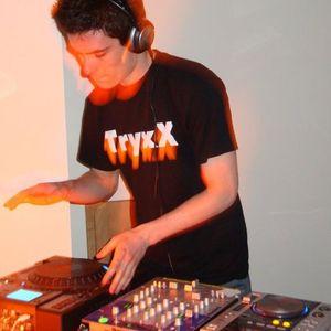 Live on Nu Rave Radio 09/08/2012