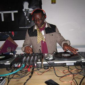 DJ CHUKS - 1ST NOV 2013 - RTT VINYL WARM-UP (10.30 PM - 11.30 PM) MIX