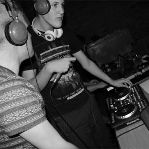 Bassline Bruus B2B DJ Numinous @ Josh's Mums Conservatory (30/01/2013)