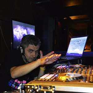 2014 07 17 Mixed by Dj Guillermo Tambaco - Love Is All