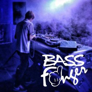 Watch The Beat Podcast Vol. 5 - mixed by Bass Finger [PROMO MIX WTB VOL. 2 @ PLATINIUM CLUB)
