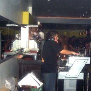 djonehunglow - Live House mix @ Sams 1999
