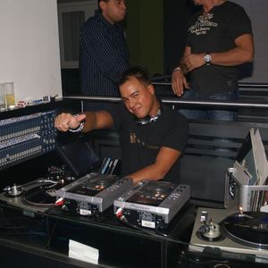 T-onestyle classics: Vocal mix @club Roomz Den Bosch 2005 - dj T-one live