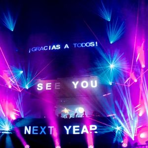 Carl Cox b2b Nic Fanciulli @ Space Ibiza Closing Fiesta 2013 (7.30 am)
