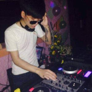 Việt Mix - Vương Tôm Mix