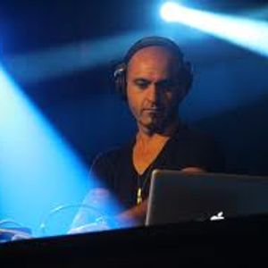 Victor Calderone - Amonly.com  April Mix  2011
