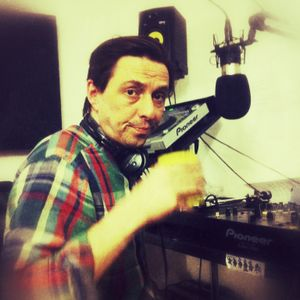10/04/12: Ross Allen featuring an interview with Miles from Soundway Records