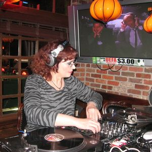 Dj Linda Leigh live @ Liberty Bar/Philly 4-23-10