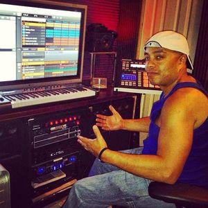 """Shocking Underground"" with Joe ""Shock"" Lopez & Freestyle Chulo - Urban Latino Radio - 11/28/2011"