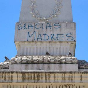 30 de abril de 2004. 27 años de las Madres de Plaza de Mayo