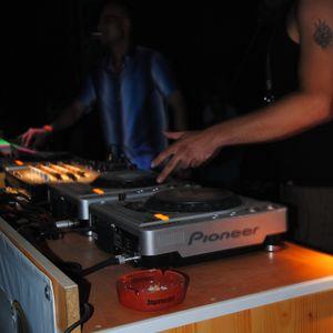 Fürtee - Live @ Majsi Erdészházi Bulik: Outdoor Summer Party 2012.06.23