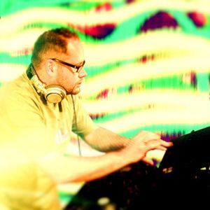 A-DJ-Radio_podcast 018 - A-DJ-R homebase - MANDAGE
