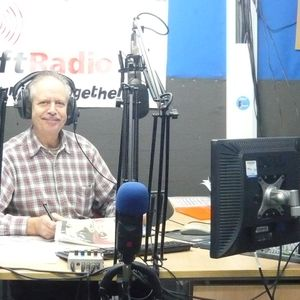 Business Day to Day 22/01/13 on RedShiftRadio with Paul Boniface