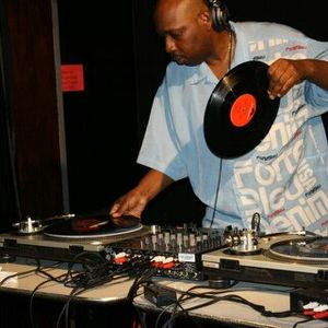 PHUNKY DISCO DANCE MIX (Dj MIKE MAGNFICET MCKIE)