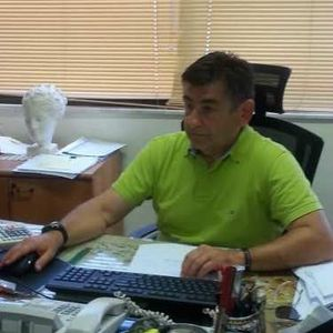 Ο οικονομολόγος Πολυχρόνης Θωίδης ζωντανά στην εκπομπή του Μιχάλη Μπαϊρακτάρη.(01/12/2020)