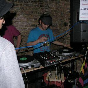Utopia & Divergence live @ The Crypt 08/06/2012 (Jungle Techno & Hardcore)