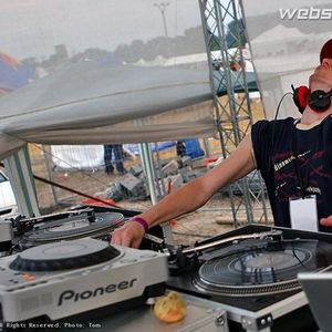 DJ LATECH - BOMBArdaky -= www.facebook.com/djlatech =-