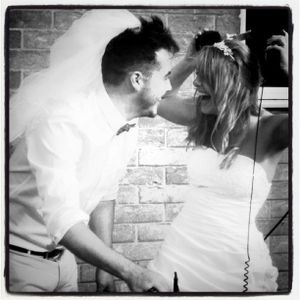 Chris & Sarah Sitting In A Tree Mix (live from the Wedding 18.06.11) P2
