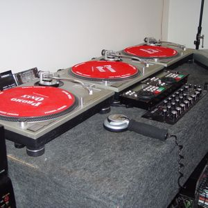 soulful mix # 5 mike labirt on the set spining vinyl and cds