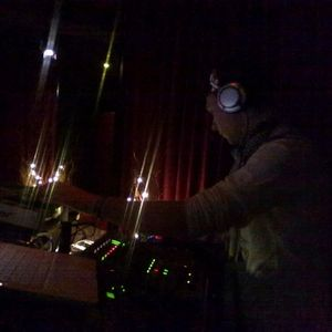 Dance With Simonej - live - 2008