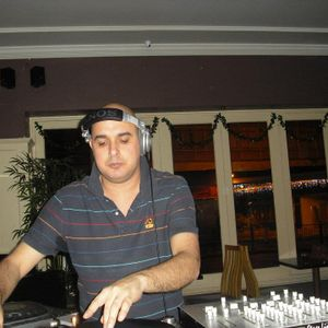 DJ S.L.B on Nakedbeatz 21st July 2015
