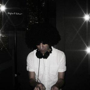 DJ Zined Notenschrauber - Voice Jugglings