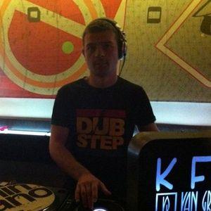 Phoneme - Drop Bass Not Bombs @Drums.Ro Radio (december 2012) [the dubstep part]