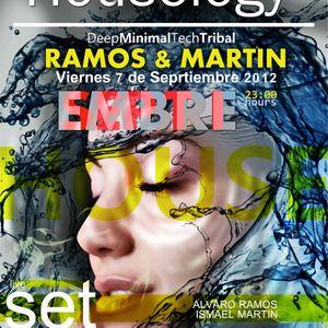 Houselogy* Ismael Martin Septiembre 2012