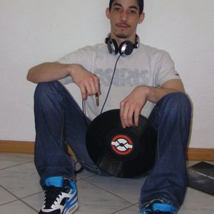 Dj Daemon Promo Mix March 2011 find some Bänging old stuff