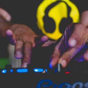 braindead vs tzealon remixes dj set by avi michaeli.mp3(107.2MB)