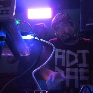 DIFERENT SESSION ENERO 2013 - DJ KRAISE SET