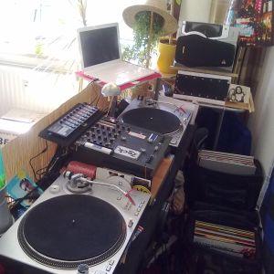 tomas kain - spielplatzbesuch dj-set