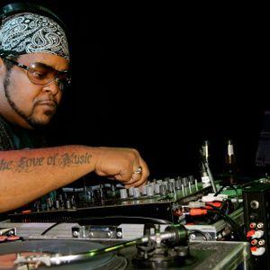 DJ RUCKUS - Careys FULL THROTTLE THURSDAYS Live-to-air 106.9FM The X - Oct 25.2012 - PART 2