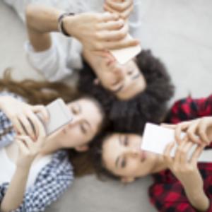 Ados,  écrans et réseaux sociaux - Les Défricheurs - 10.10.18