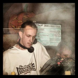 Tek DNB Vs Jungle Mix by DJ ZootWeaver (Nov 2012)