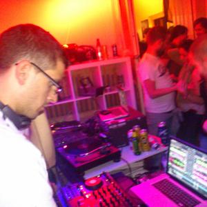 Skull Kid @ WG-Surrealis (20-10-2012) (11pm mix)