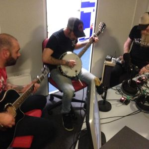 Super Fast Girlie Show in Session on Neil Crud's TudnoFM Show 19.09.16