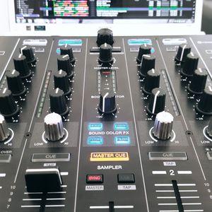 Studio Mix Live FM Sound Production