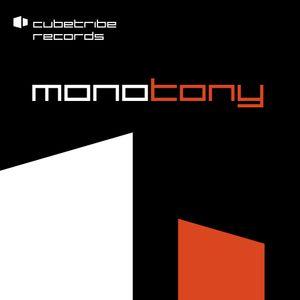 MonoTony_LIVE_at_Das_elektronische_Wohnzimmer_BERLIN_20.07.12