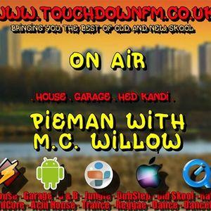 DJ PIEMAN(FANTAZIA CREW) & MC WILLOW-TRIBAL/FUNKY HOUSE LIVE RADIO SHOW PT1 SAT 18-1-14 6PM - 10PM