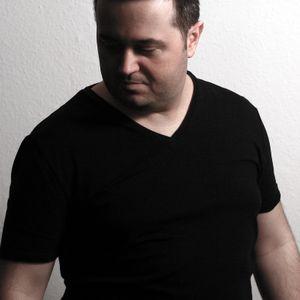 Techno Recommends 051 - Son-Tec Guest Mix