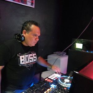 DJ Victor Cervantes Housession 2015 Episodio 018 (Only House Music)