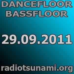 dancefloor bassfloor 29.09.2011 www.radiotsunami.org gae fnkbstrd aka dasupadeepa