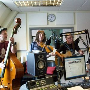 Russell Hill's Country Music Show on 93.7 Express FM feat. Pappa Jones Moonshine Band. 1st July 2012