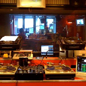 Live at Lefto's Show on Studio Brussel - May 2010